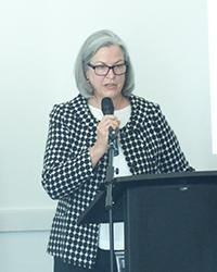 Sue Lyons